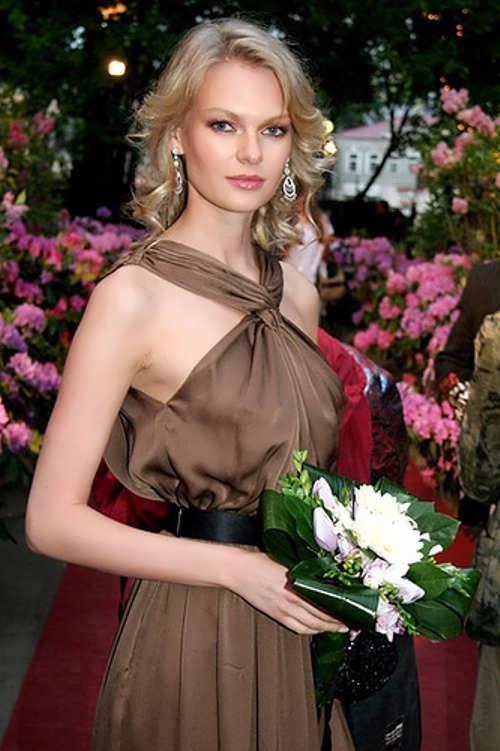 Magnificent socialite and business woman Yulia Vizgalina