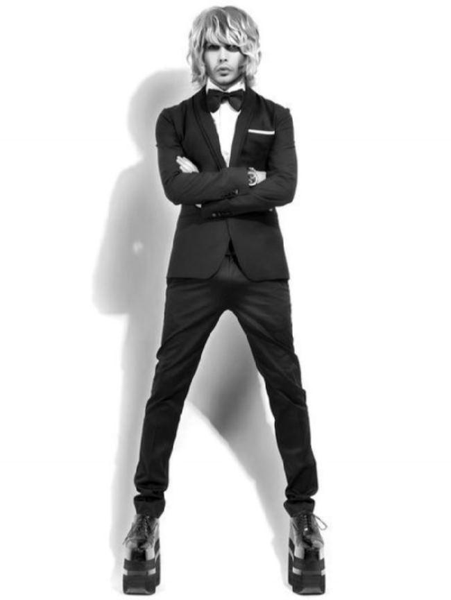 Sergey Zverev – hairdresser, singer