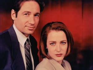 Duchovny and Anderson in X-Files