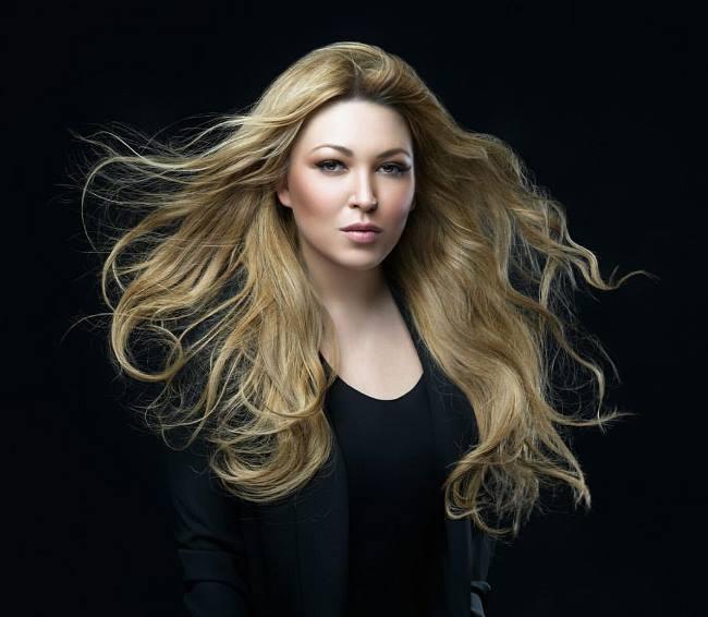 Irina Dubtsova – Russian singer, poet