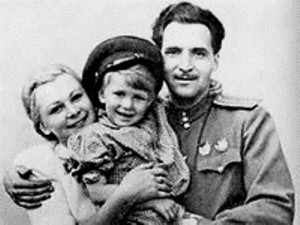 Valentina Serova, her son and Konstantin Simonov