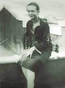 Elli Jones Mayakovsky