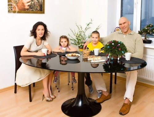 Valuev and his family