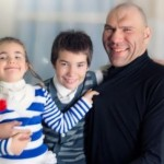 Valuev with children