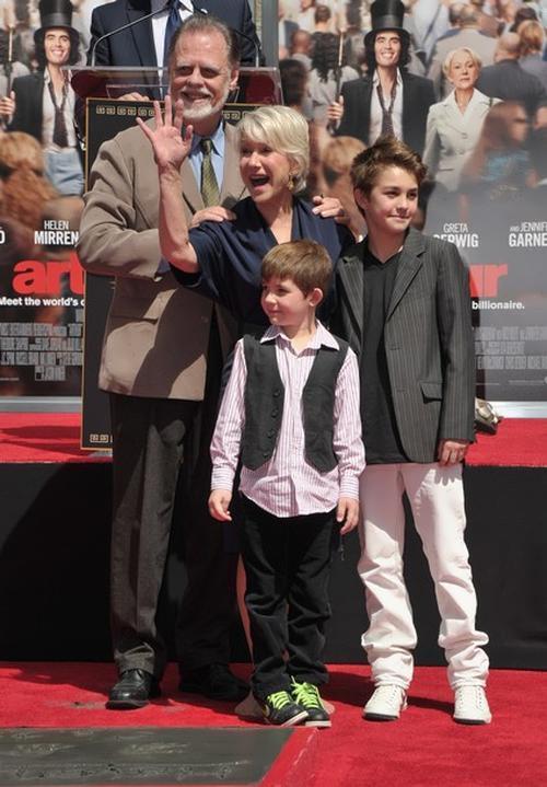 Mirren and her husband Taylor Hackford and grandchildren