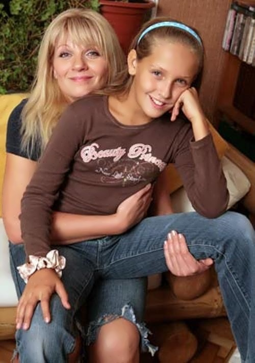 Anna and her daughter Sofia