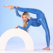 Julia Gunthel – Goddess of Flexibility
