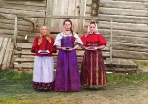 Peasant girls Prokudin-Gorsky