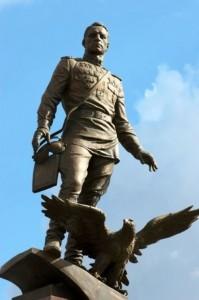 Monument to Alexander Pokryshkin
