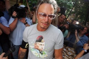 Mickey Rourke bought a T-shirt with the image of Putin