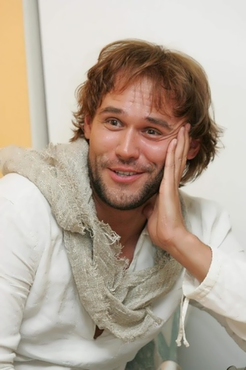 Maksim Averin theater actor