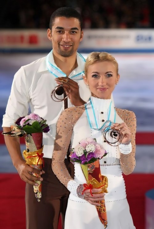 Savchenko and Szolkowy pair skaters