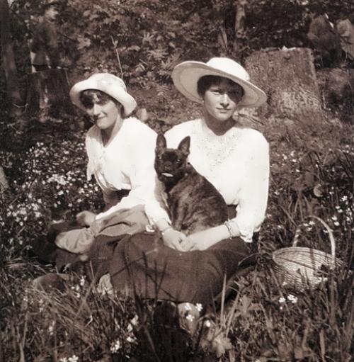 Tatiana and Anastasia 1917