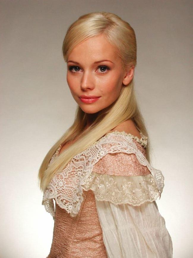 Elena Korikova – beautiful actress