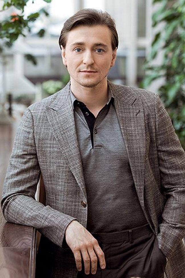 Sergey Bezrukov – Russian actor