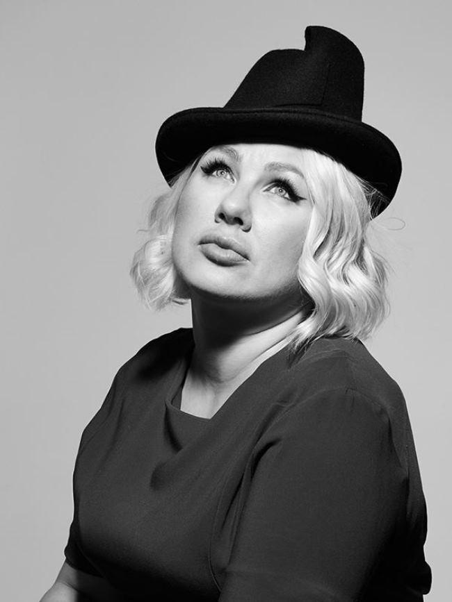 Eva Polna, Russian singer