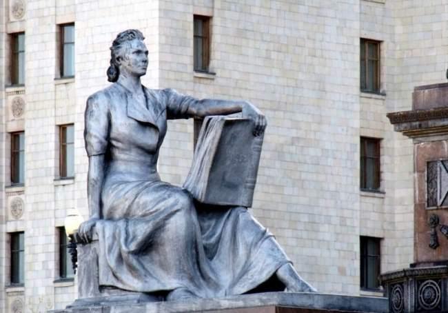 Vera Mukhina – Soviet era Sculptor