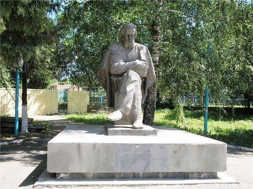 Monument to Pavel Yablochkov in Serdobsk, Penza region