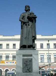 Monument to the Grand Prince in Yaroslavl