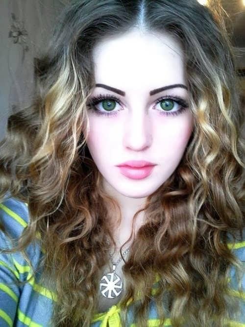 Beautiful Yulia Vins