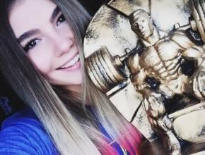 Naumova Maryana weightlifter