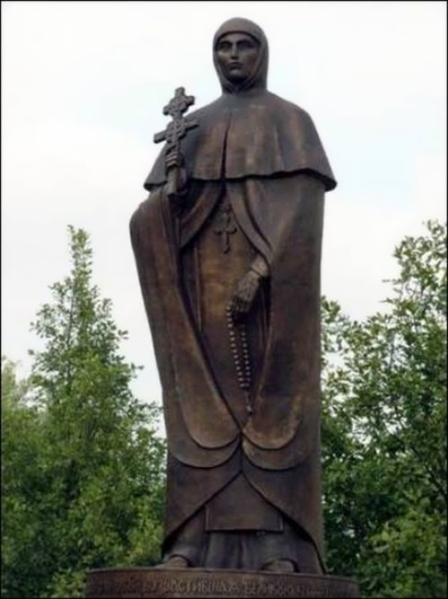 Monument to Efrosinya in Polotsk