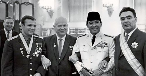 N.S. Khrushchev with the first cosmonaut, Yuri Gagarin, the rightmost L.I. Brezhnev, 1961