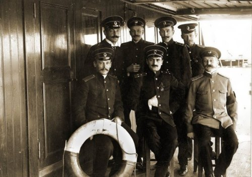 A group of officers, 1909