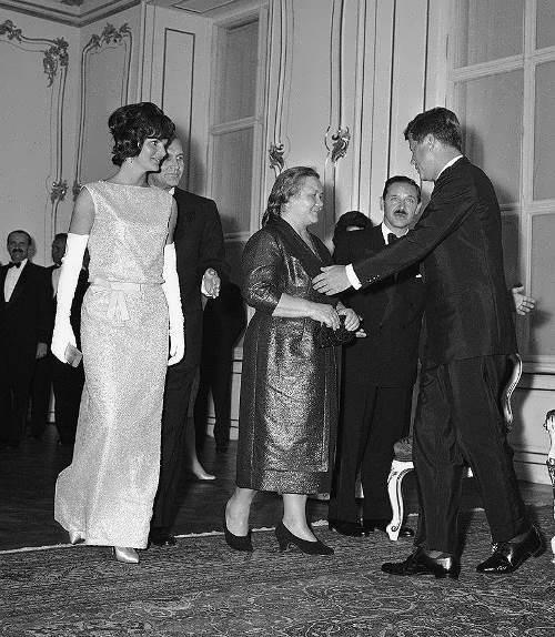 Jacqueline Kennedy, Nina Khrushcheva and John Kennedy