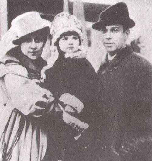 Nijinsky, Romola and their daughter Kira