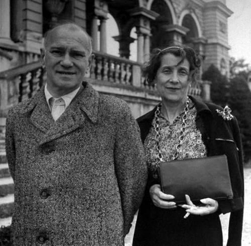 Vaslav Nijinsky with his wife Romola in Vienna